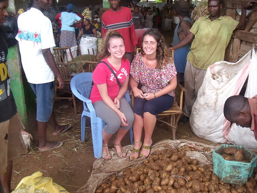 Aine & Alicia at the market