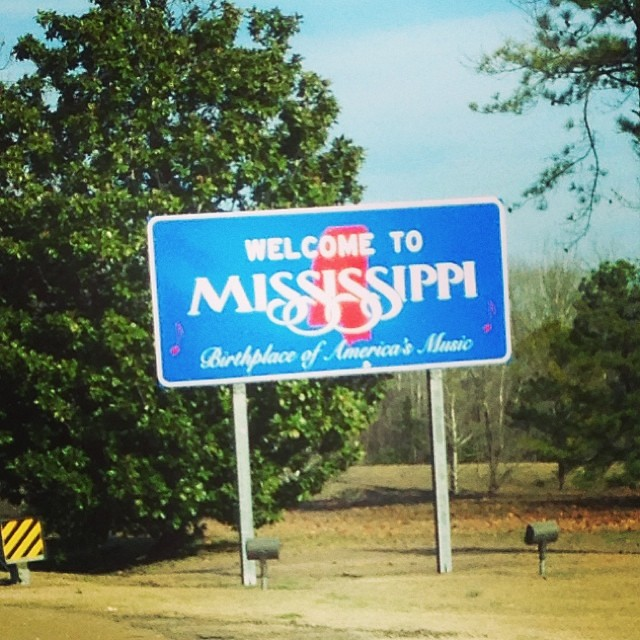 Mississippi on my mind. The kids have watched Lego batman, the croods, smurfs 2, despicable me 2, and monsters u. #carseatpotatoes?