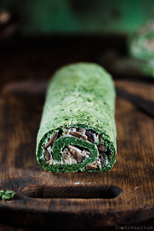 Spinach Roll With Mascarpone And Shitake