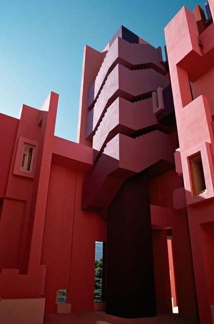 Muralla_Roja_Calpe_Spain_Ricardo_Bofill_Taller_Arquitectura_32
