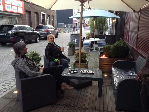 Petit salon en terrasse de l'Asia Restaurant