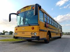 #3944 - 2002 Thomas Saf-T-Liner HD - Hillsborough County School Bus