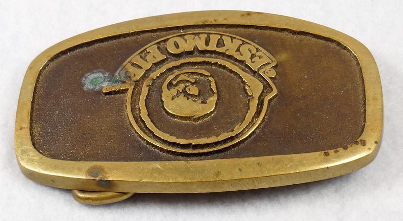 RD15316 Vintage Eskimo Pie Brand Brass Belt Buckle Advertising DSC09221