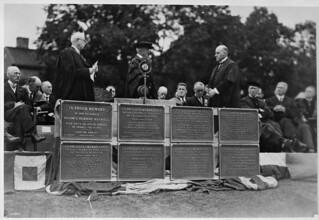 The Honourable Ralston at memorial plaque unveiling, Dalhousie University, Halifax, Nova Scotia / L'honorable Ralston lors du dévoilement d'une plaque commémorative, Université Dalhousie, Halifax (Nouvelle-Écosse)