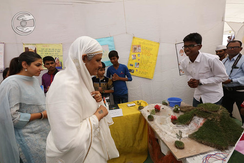 Exhibition visit by Her Holiness