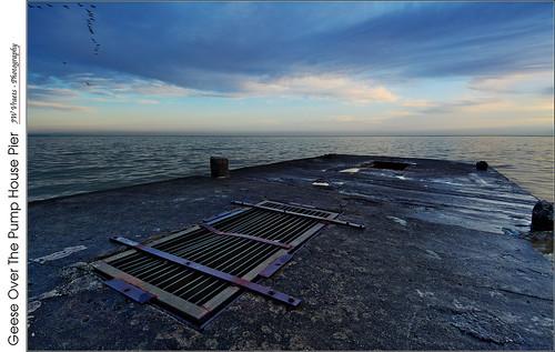 grimsby lakeontario dawn sunrise pier pumphouse rectangles grate opensource rawtherapee gimp nikon nikkor1224mm