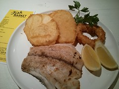 pork chop(0.0), schnitzel(0.0), meal(1.0), lunch(1.0), breakfast(1.0), fried food(1.0), fish(1.0), meat(1.0), food(1.0), full breakfast(1.0), dish(1.0), cuisine(1.0),