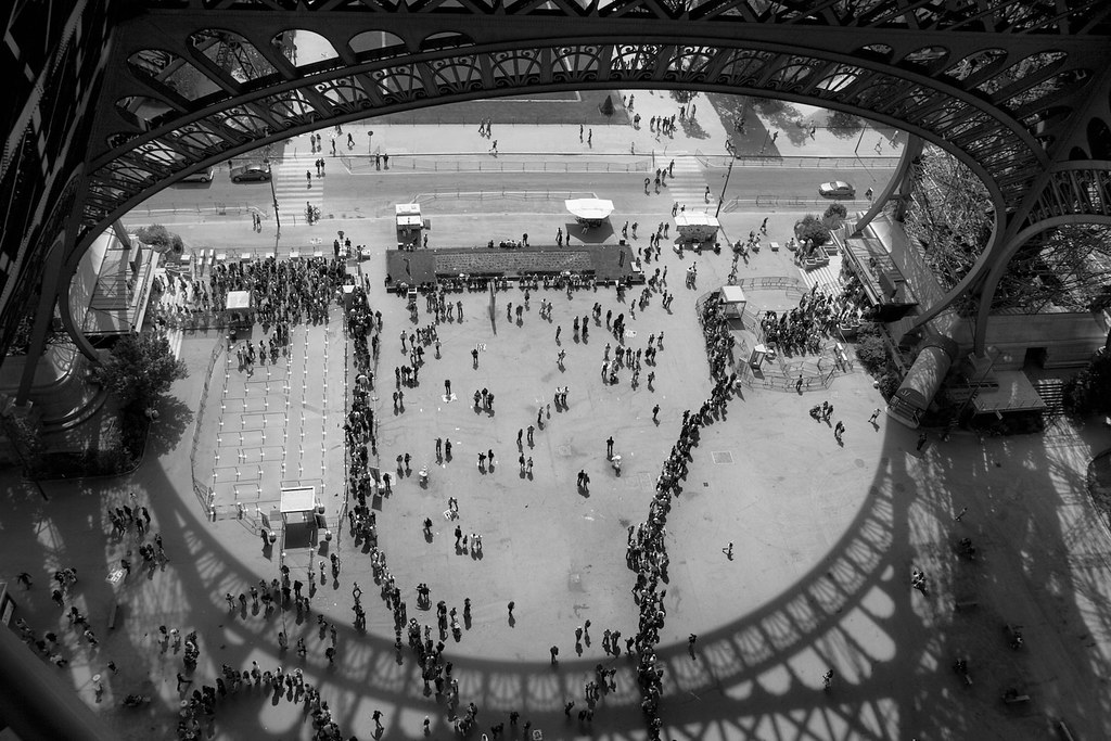 Queues at the Eiffel Tower
