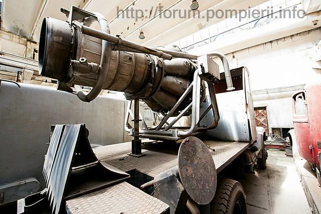 Turbojet motor de MIG 15, sasiu si motor S.R. 132