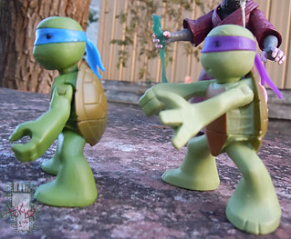 Nickelodeon  TEENAGE MUTANT NINJA TURTLES :: NINJAS in TRAINING, LEONARDO & DONATELLO v (( 2013 ))