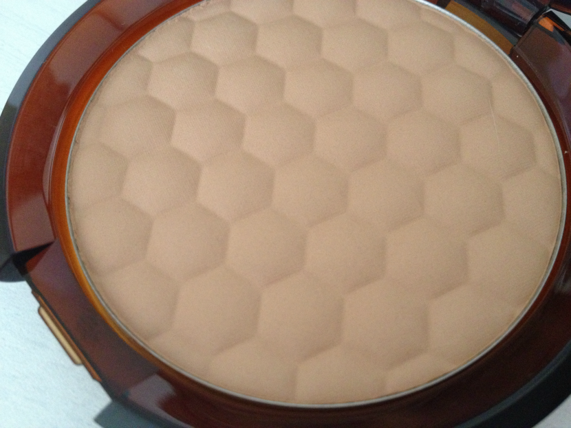 The_Body_Shop_Honey_Matte_Bronzer_Fair_Matte_4