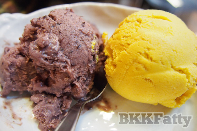 mulberry and passionfruit ice cream scoops