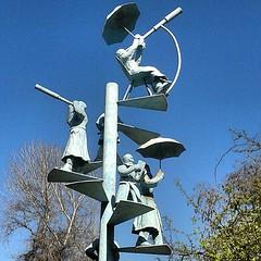 en el Parque Bustamante #escultura #sculpture #art #street #providencia #santiago #chile #instachile #webinstagram #ig_chile