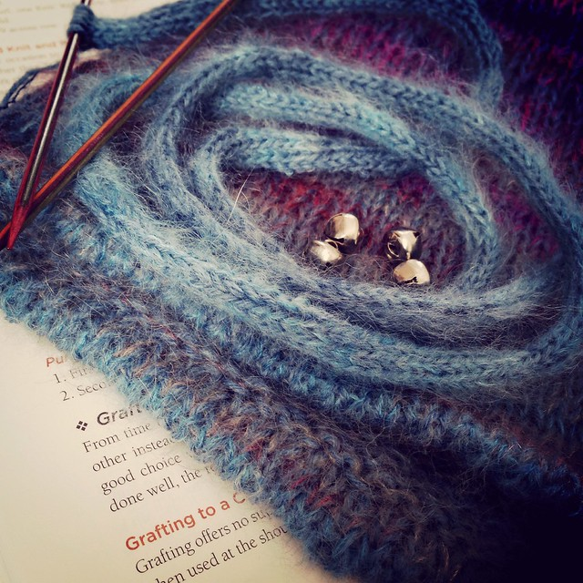 WIPs & Books - whimsical cowl and The Principles of Knitting