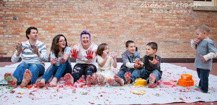 family-photography-smash-cake-session-messy