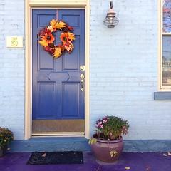 Found the cutest row houses with @roaringangelina in the Northside last week. #cincinnati (4/5)