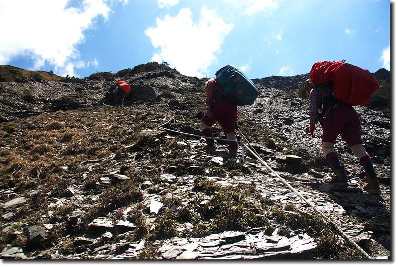 奇萊西側陡坡