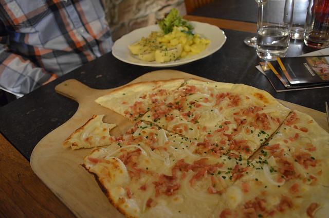 Trenz restaurant Flammkuchen