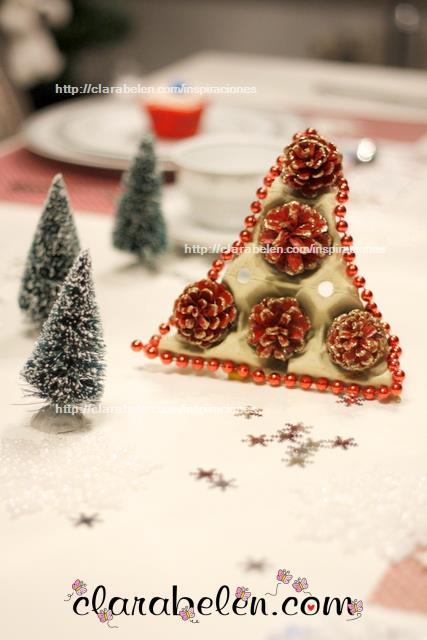 árbol navidad cartón de huevos y piña