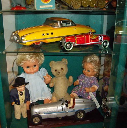 Les poupées de ma maison  11368053493_ed1d3c8868