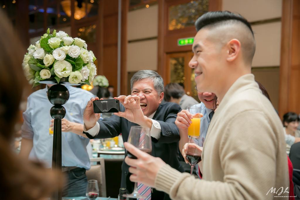 婚禮攝影,喵吉啦,六福皇宮,永樂廳,新秘 Virna,婚紗ROYAL,救恩堂