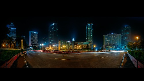 longexposure light panorama building monument night indonesia cityscape roundabout jakarta hi tugu monumen malam lampu gedung selamatdatang nightfoto bundaranhi hotelindonesia bundaranhotelindonesia bundaran vectorama tuguselamatdatang monumenselamatdatang hotelindonesiaroundabout selamatdatangmonument ef2470mmf28liiusm