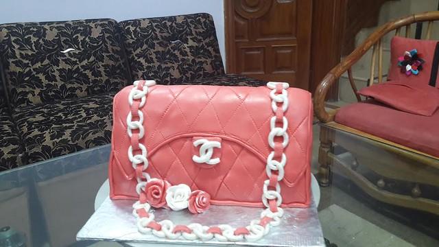 Handbag Cake by Z&H Bakes