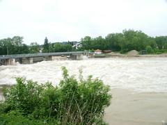 Trostberg-Hochwasser Alz-Juni 2013-Neuer Wehrbau-Gesamtansicht