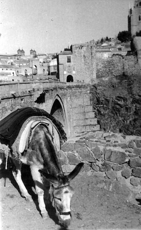 Puente de San Martín en 1935. Fotografía Josep Gaspar i Serra © Arxiu Nacional de Catalunya. Signatura ANC1-23-N-1561