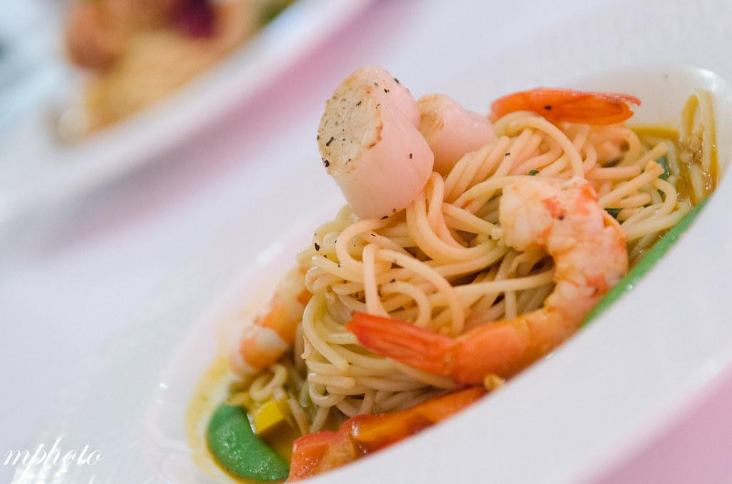 火燒蝦鮮蝦干貝義大利麵/甜點 華麗狂女士 華美店