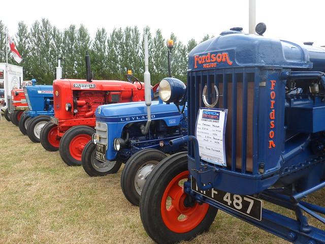Vintage tractors (2)