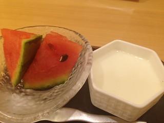 メニュー「牛たんと彩り野菜のアンサンブル」のデザート
