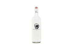 vodka(0.0), drinkware(0.0), alcoholic beverage(0.0), glass bottle(1.0), distilled beverage(1.0), liqueur(1.0), bottle(1.0), drink(1.0), wine bottle(1.0),