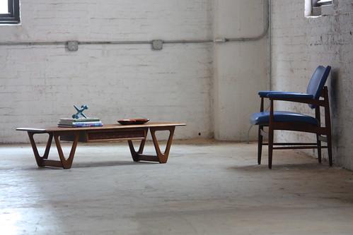 Photogenic Mid Century Modern Lane Perception Walnut & Oak Coffee Table (U.S.A., 1960's)
