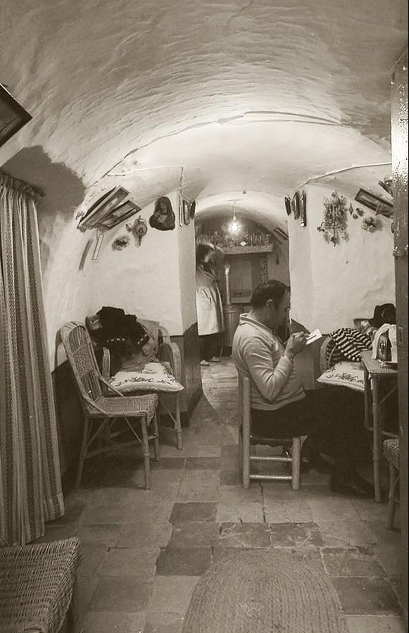 6. Vida cotidiana en el interior de un silo. Autor, Jose María Moreno García