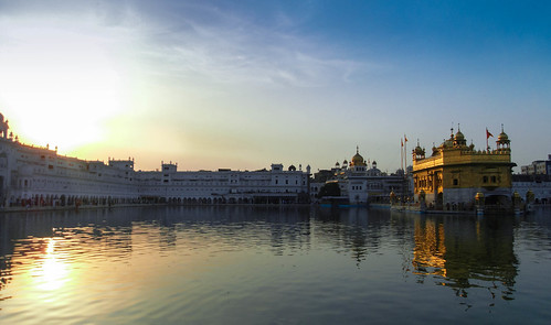 sunset sky india lake clouds temple gold mirror golden see day sonnenuntergang himmel wolken indien amritsar tempel speigelung pwpartlycloudy