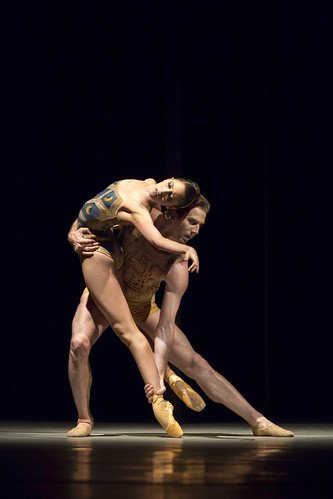 Beatriz Stix-Brunell and Nehemiah Kish in 'Trespass' from Metamorphosis: Titian 2012 © ROH/Johan Persson, 2012