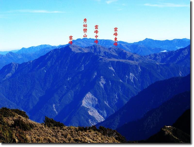 關山山頂北望雲峰、南雙頭山 2