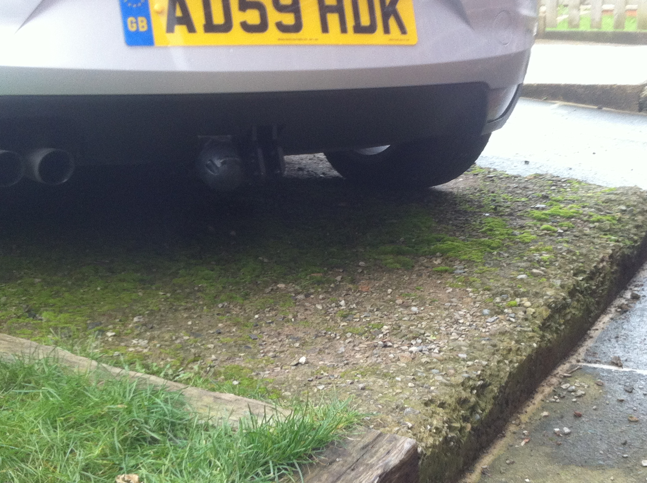 Tow bar fitting on altea seatcupra forums to fit the bar the bumper has to come off lights out first then work around the edge removing ll the screws 5 in each wheel arch 2 revealed by each aloadofball Gallery