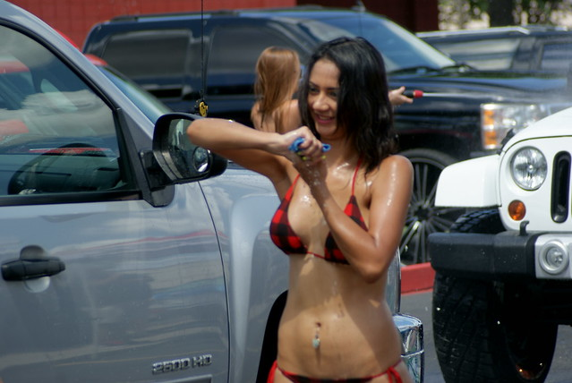 Twin Peaks Bikini Car Wash (Austin vs Round Rock)