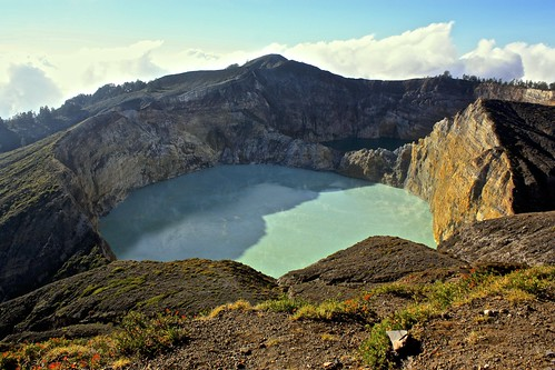 And the clouds clear the Kelimutu volcano