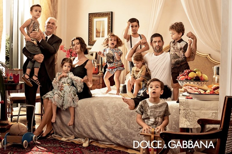 800x533xdolce-gabbana-spring-summer-campaign-3.jpg.pagespeed.ic.tlh3sSqNHs