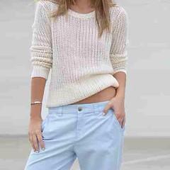 collar(0.0), dress shirt(0.0), outerwear(0.0), blouse(0.0), design(0.0), spring(0.0), shirt(0.0), t-shirt(0.0), jeans(1.0), neck(1.0), textile(1.0), clothing(1.0), abdomen(1.0), white(1.0), sleeve(1.0), pocket(1.0), sweater(1.0),