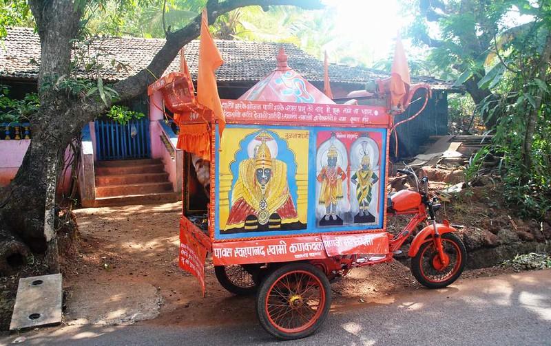 115 Altar ambulante. En Goa con Salva e Ivan (2)