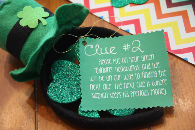 Clue-2_Table-put-on-headbands