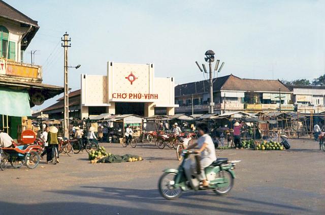 Tra Vinh Market, Vinh Binh Province Feb. 1971