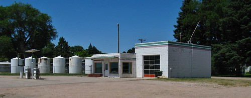 lodgepole nebraska midwest roadtrip gasstation servicestation building architecture