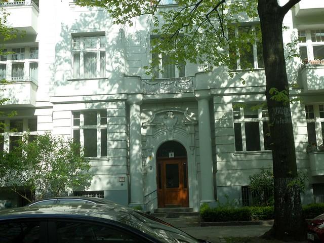 Sarrazinstraße 8 2