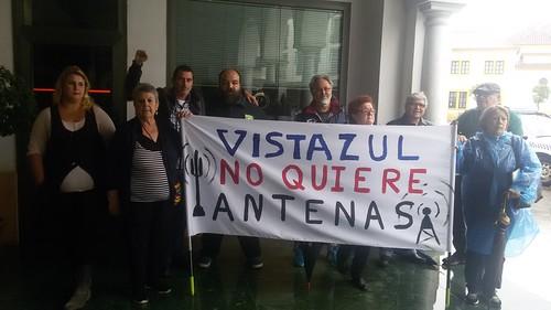 Protesta por la instalación de una antena de telefonía móvil en Vistazul