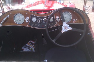 MG TA 1936 - Behind the wheel